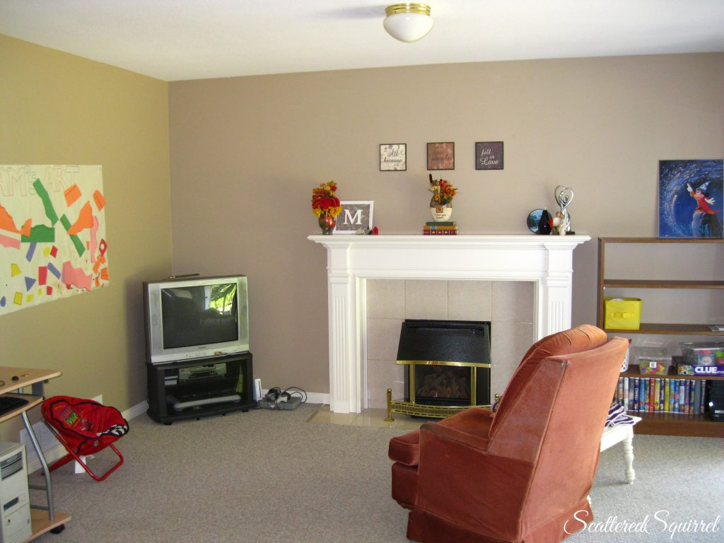 family room before picture