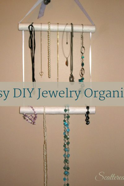 Easy DIY Jewelry Organizer | ScatteredSquirrel.com