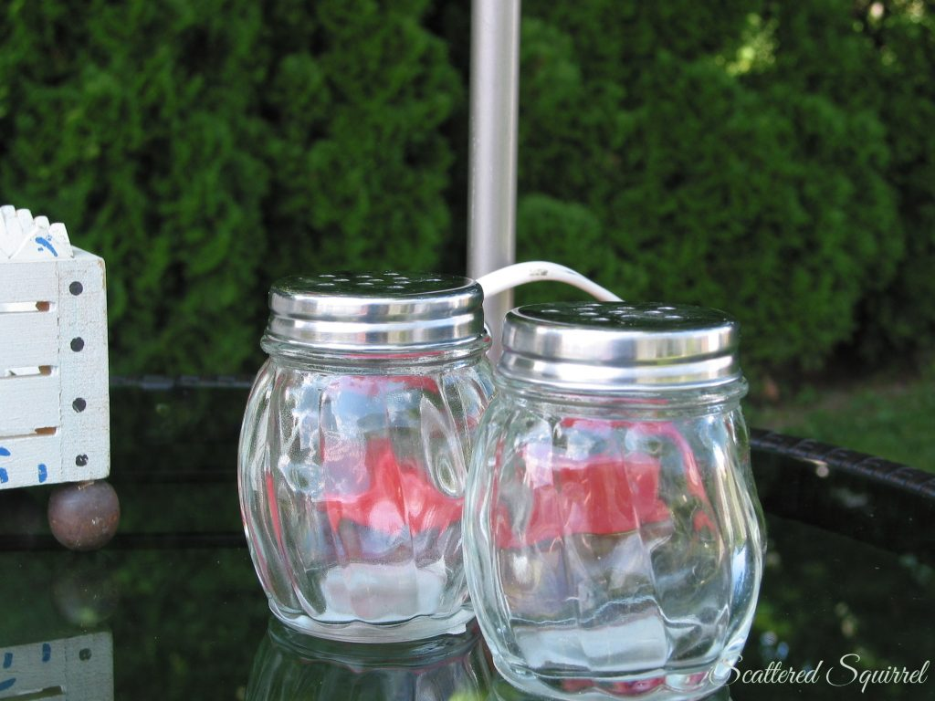 Glass shakers | ScatteredSquirrel.com
